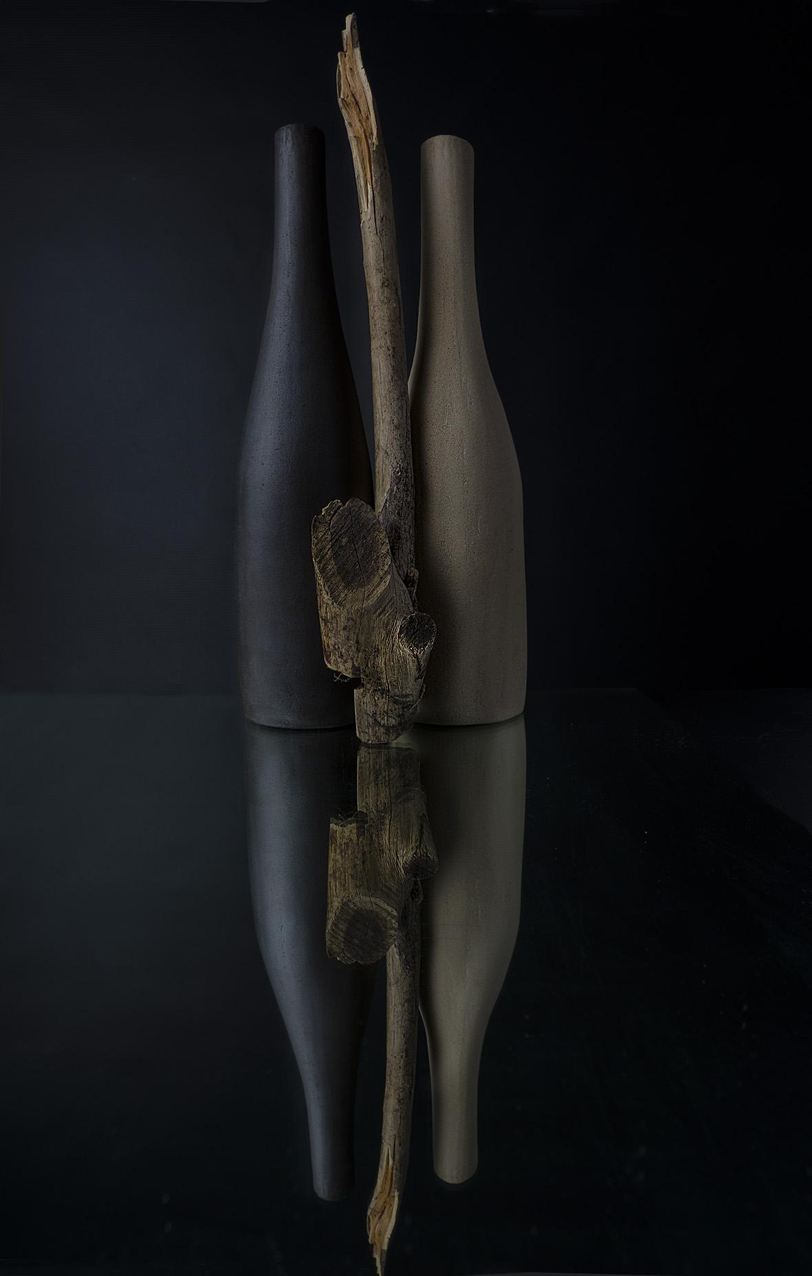 Bouteilles en grès brut Céramique Cécile Vazeille Photographies Diane Ducruet